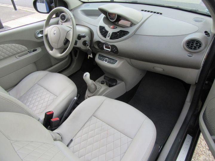 Renault Twingo 1.2 TCE 100CH INITIALE Noir Occasion - 8