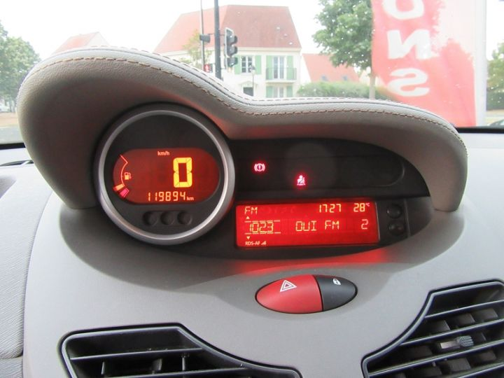 Renault Twingo 1.2 TCE 100CH INITIALE Noir Occasion - 16