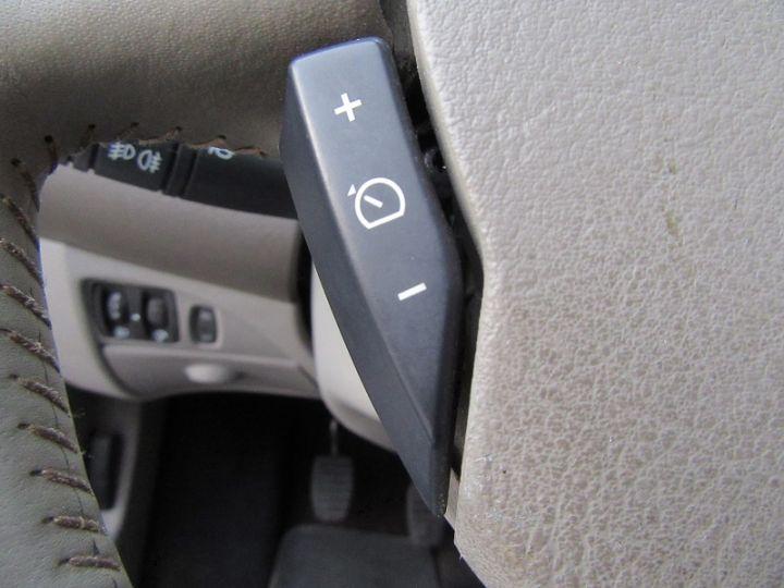 Renault Twingo 1.2 TCE 100CH INITIALE Noir Occasion - 18