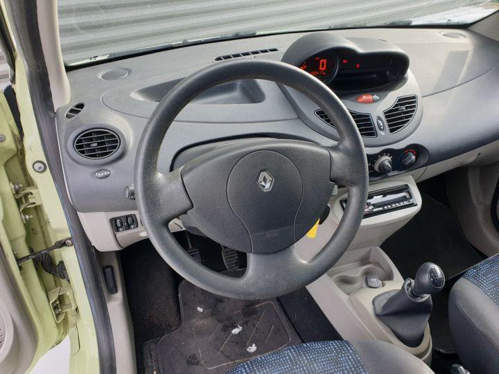 Renault Twingo 2 1.2 60 authentique bv5 o Vert Amande Occasion - 8