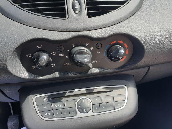 Renault Twingo 2 ii 1.2 16v 75 collection guerlain Noir Occasion - 17