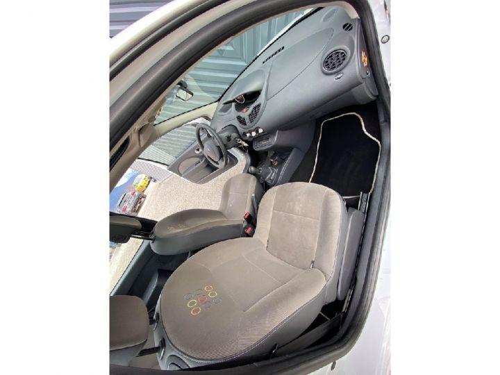 Renault TWINGO II 1.2 60 eco2 Access Blanche - 8