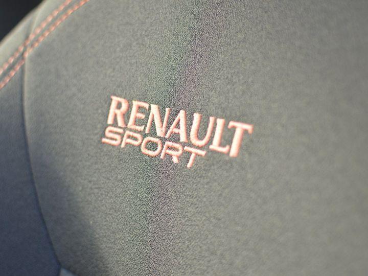 Renault Twingo RENAULT TWINGO II RS 1.6 16V 133ch VERITABLE 1ERE MAIN ENTIEREMENT D'ORIGINE COTE MONTANTE NOIR - 15