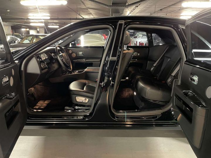 Rolls Royce Ghost 6.6 V12 570ch SWB A Noir Occasion - 15