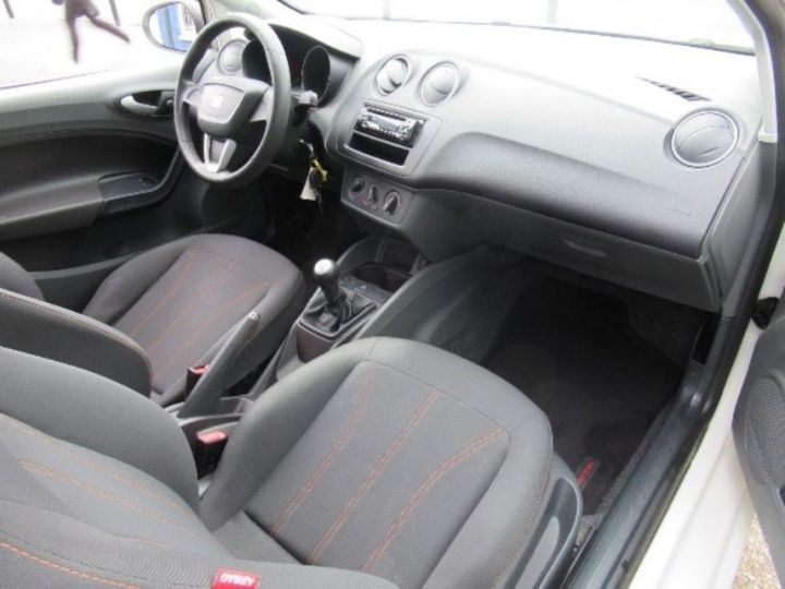 Seat IBIZA 1.2 TDI75 FAP CR PREFERENCE Blanc - 9