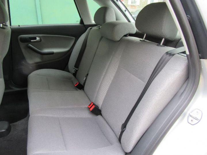 Seat IBIZA 1.4 16V STELLA 5P GRIS CLAIR Occasion - 6