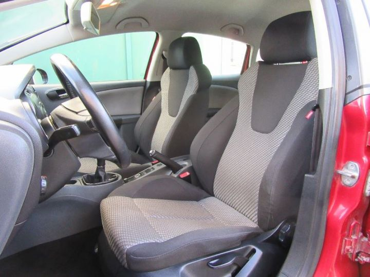 Seat LEON 1.9 TDI105 FAP STYLANCE ECOMOTIVE ROUGE Occasion - 4