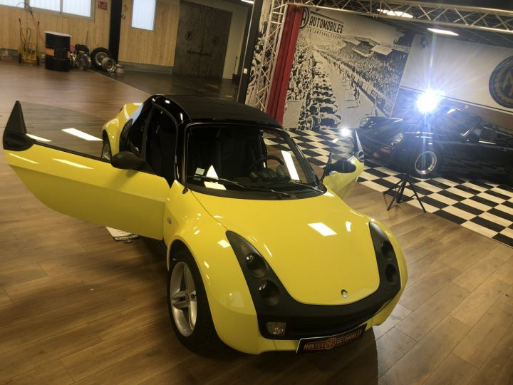 Smart ROADSTER jaune et noir - 2