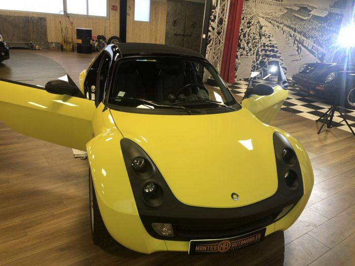 Smart ROADSTER jaune et noir - 3