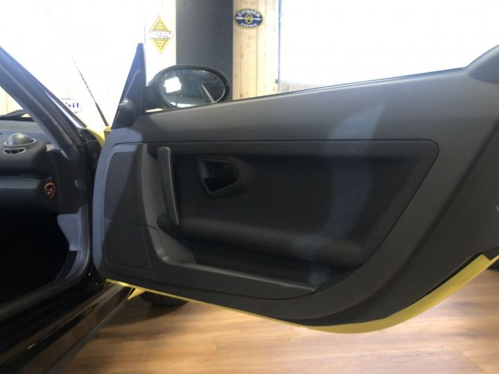 Smart ROADSTER jaune et noir - 12