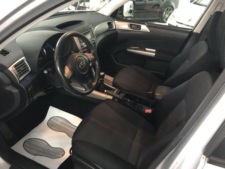 Subaru FORESTER 2.0 D BOXER DIESEL XS Gris - 7