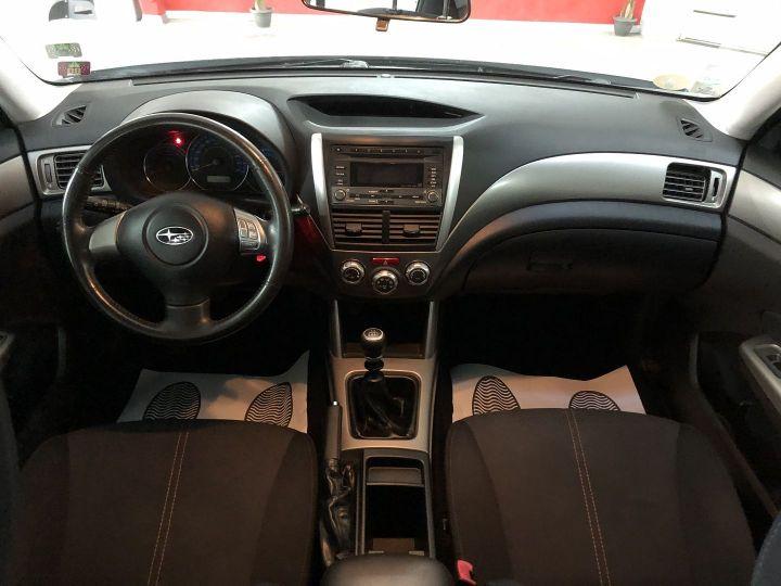 Subaru FORESTER 2.0 D BOXER DIESEL XS Gris - 8