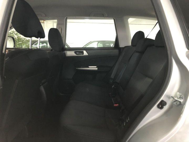 Subaru FORESTER 2.0 D BOXER DIESEL XS Gris - 10