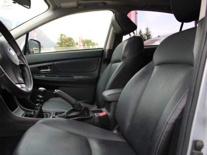Subaru XV BOXER 2.0D Club Gris - 10