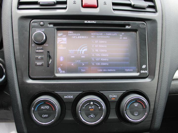 Subaru XV BOXER 2.0D Club Gris - 12