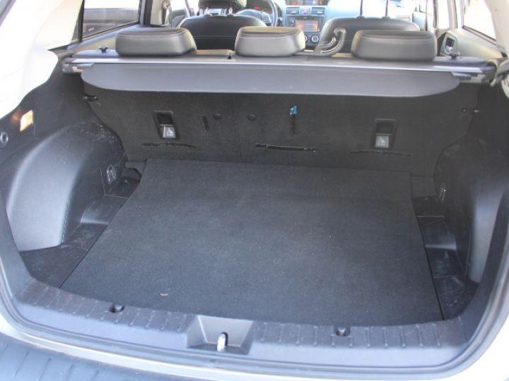 Subaru XV BOXER 2.0D Club Gris - 15