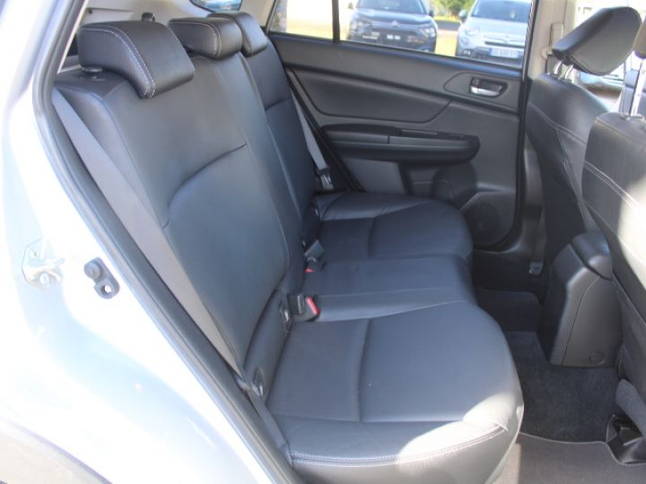 Subaru XV BOXER 2.0D Club Gris - 16