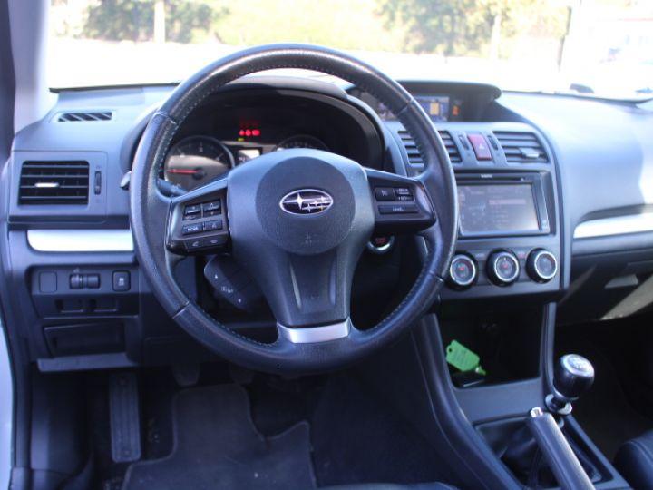 Subaru XV BOXER 2.0D Club Gris - 17