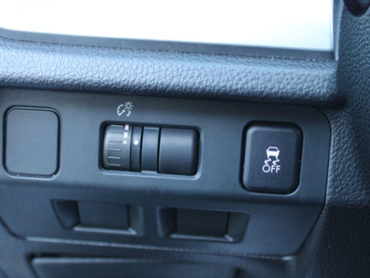 Subaru XV BOXER 2.0D Club Gris - 26