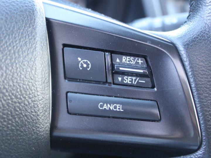 Subaru XV BOXER 2.0D Club Gris - 27