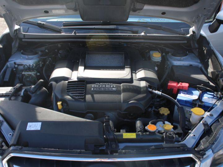 Subaru XV BOXER 2.0D Club Gris - 37