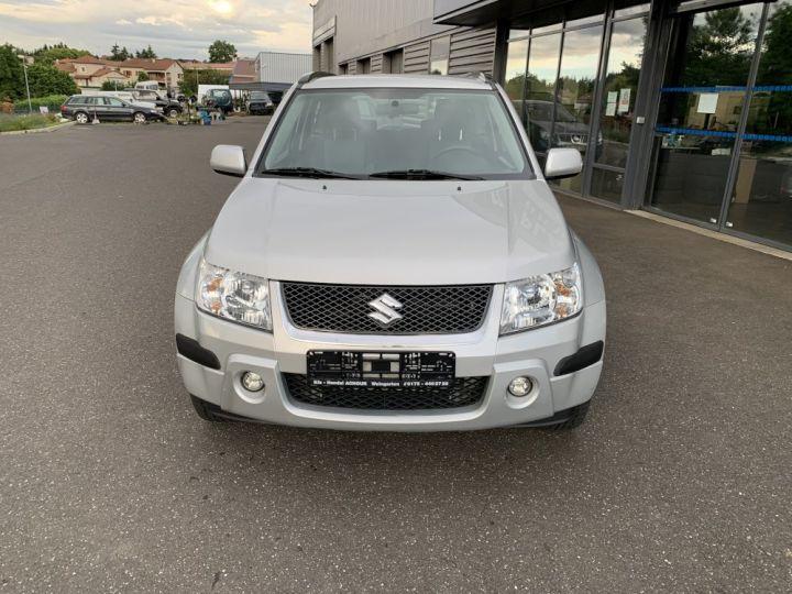 Suzuki GRAND VITARA 1.9 L DDIS 130 CV 3 portes Gris clair - 3