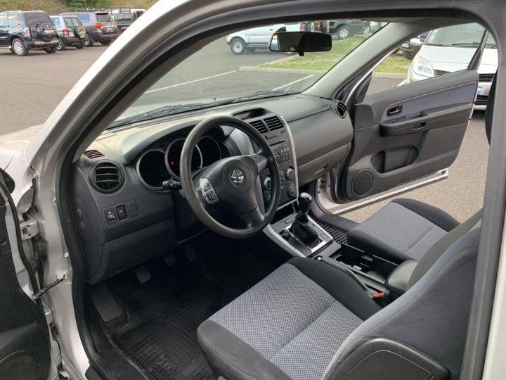 Suzuki GRAND VITARA 1.9 L DDIS 130 CV 3 portes Gris clair - 10