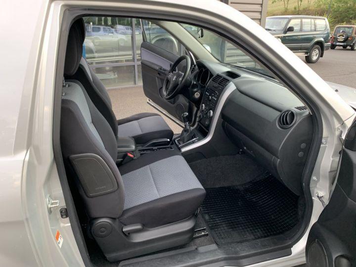Suzuki GRAND VITARA 1.9 L DDIS 130 CV 3 portes Gris clair - 12