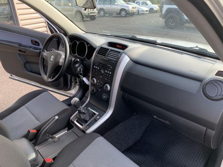 Suzuki GRAND VITARA 1.9 L DDIs Luxe Gris clair - 13