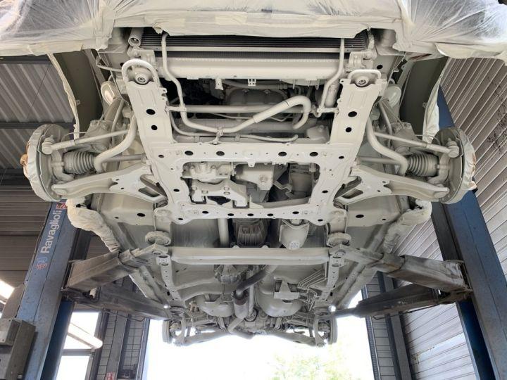 Suzuki GRAND VITARA 2 L essence 140 CV Long Luxe Noir - 14