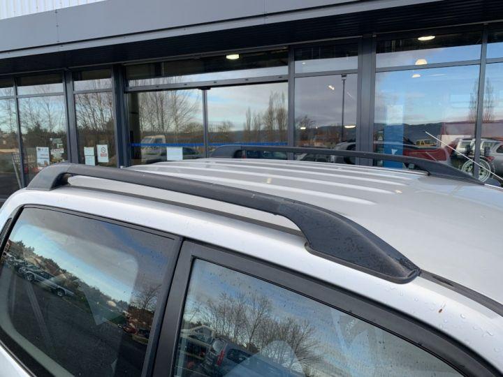 Suzuki GRAND VITARA 2 L TD 3 portes 109 CV Luxe Gris clair - 9