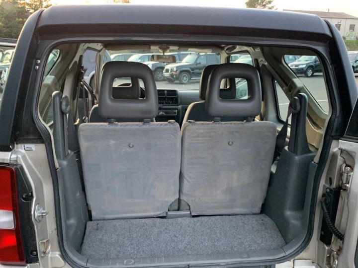 Suzuki JIMNY 1.3 L Essence Cabriolet avec Hard Top Gris  - 10