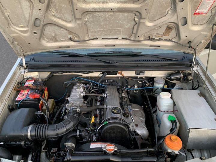 Suzuki JIMNY 1.3 L Essence Cabriolet avec Hard Top Gris  - 12