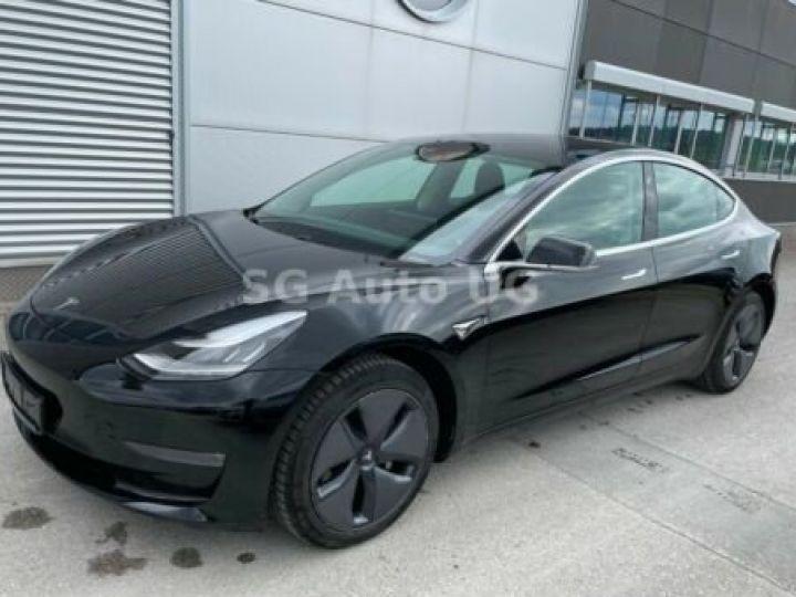 Tesla Model 3 Noir métallisée  - 1