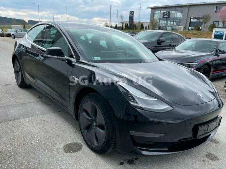 Tesla Model 3 Noir métallisée  - 5