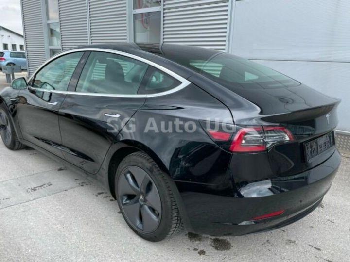 Tesla Model 3 Noir métallisée  - 6