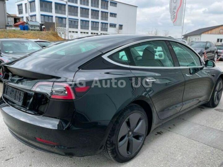 Tesla Model 3 Noir métallisée  - 7