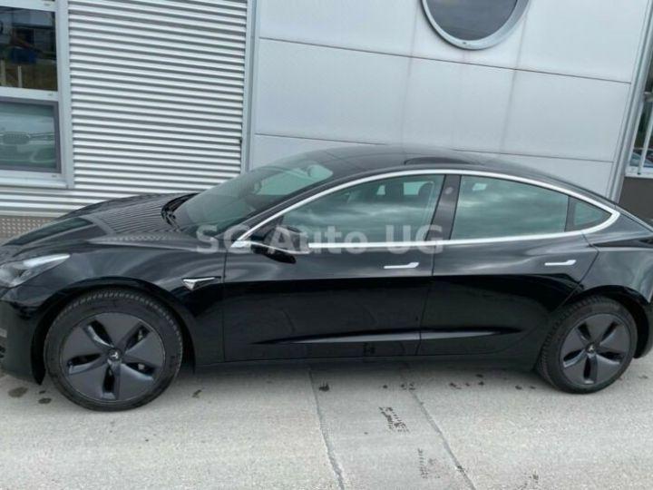 Tesla Model 3 Noir métallisée  - 8