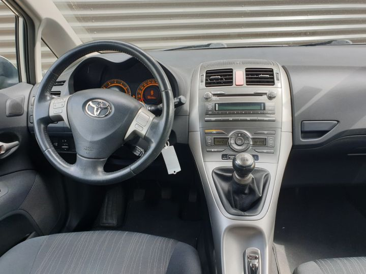 Toyota AURIS 124 VVTI LUNA 5 PTS 5P Gris Métallisé Occasion - 5