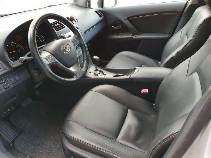 Toyota Avensis 3 iii 150 cat lounge bva Gris Occasion - 9