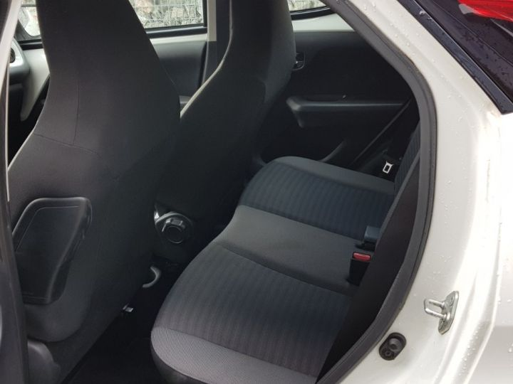 Toyota Aygo 1.0 VVT-i X-Play Blanc - 8