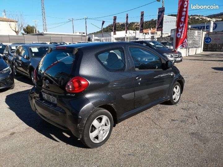 Toyota Aygo GRIS FONCE Occasion - 4