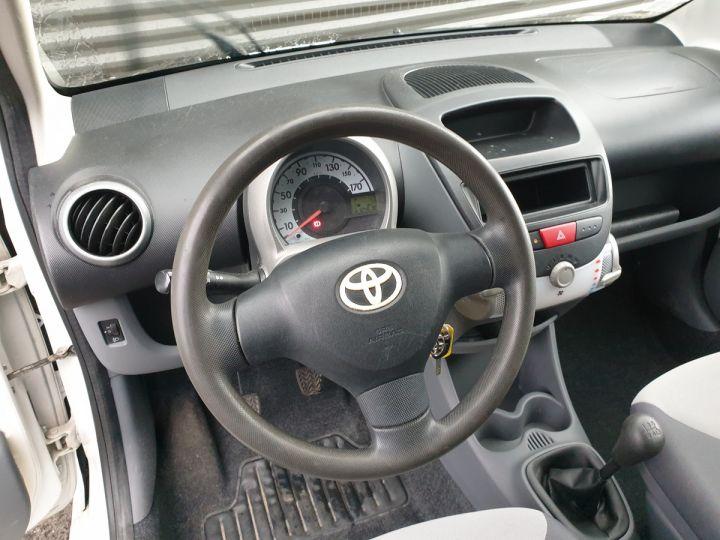 Toyota Aygo 2 1.0 68 i Blanc Occasion - 9