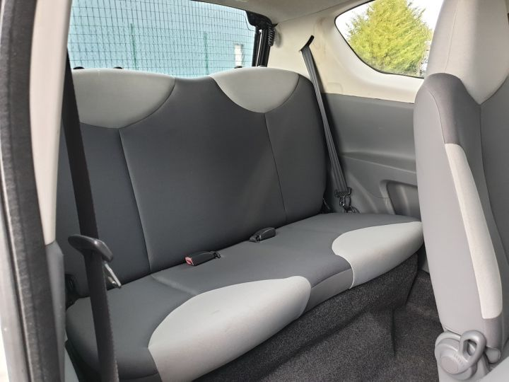 Toyota Aygo 2 1.0 68 i 3 portes bv5. Blanc Occasion - 6