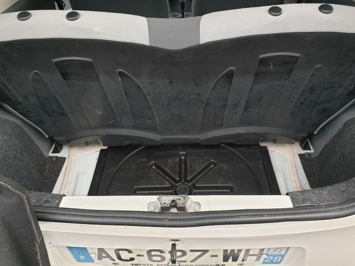 Toyota Aygo 2 1.0 68 i 3 portes bv5. Blanc Occasion - 12
