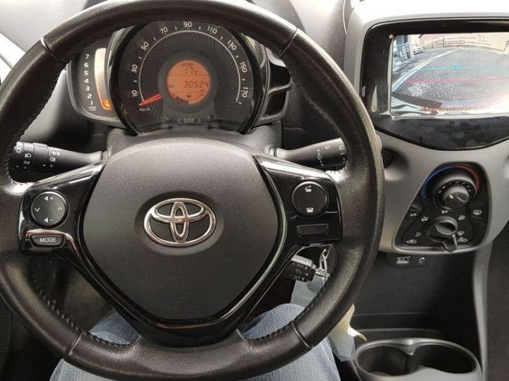 Toyota Aygo (2) 1.0 VVT-i x-play Blanc - 2