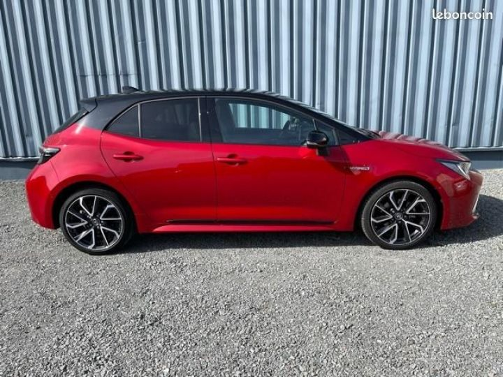 Toyota Corolla 122h collection Rouge - 5