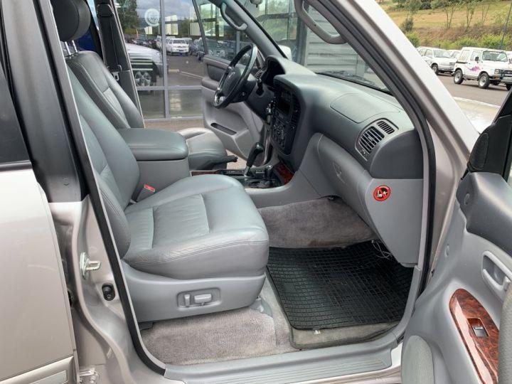 Toyota LAND CRUISER 100 SW 4.2 L TD VXE 204 CV Boite Auto Gris clair - 11
