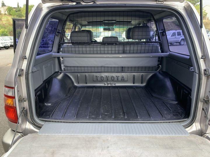 Toyota LAND CRUISER 100 SW 4.2 L TD VXE 204 CV Boite Auto Gris clair - 14