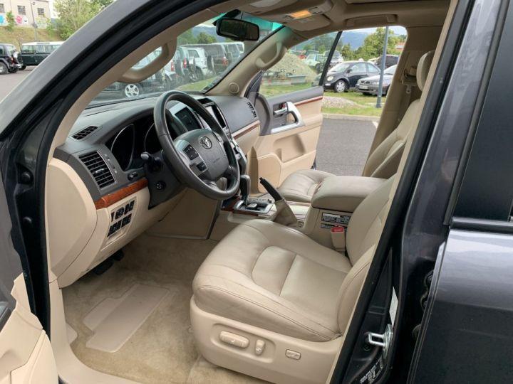Toyota LAND CRUISER VDJ 200 4.5 L V8 D4D 272 CV Lounge  Gris anthracite - 12